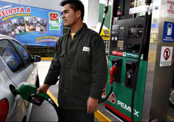 Resultado de imagen para despachadores de gasolina