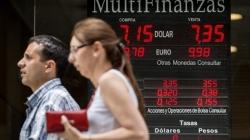 El peso argentino se desploma
